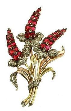 Vintage Crown Trifari Alfred Philippe 2 Tone Gold Ruby & Pave Diamonte Clip Pin