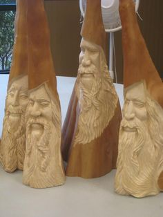 Simple Wood Carving, Wood Carving Faces, Wood Carving Designs, Tree Carving, Wood Carving Art, Wood Art, Wood Carvings, Whittling Projects, Whittling Wood