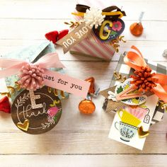 Thanksgiving placecards with the 123 Punch Board by Enza Gudor for We R Memory Keepers Thanksgiving Place Cards, Thanksgiving Gifts, Homemade Gifts, Diy Gifts, Mason Jar Pumpkin, We R Memory Keepers, Punch Board, Party Favors, Gift Wrapping