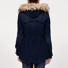 Parka CLEOPATRA ~ vista de pelo desmontable Cleopatra, Sporty Chic, Winter Jackets, Style, Fashion, Wraps, Hair, Winter Coats, Swag