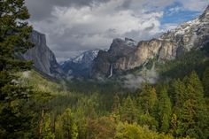 The View from Tunel View Yosemite Falls, National Parks Usa, Yosemite National Park, Outdoor Photography, Landscape Photography, Photography Tips, California Travel, How To Take Photos