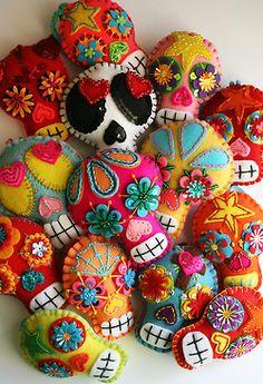 crafts plush sugar skull handmade dia de los muertos day of the dead felt sugar skulls softie Mexican folk art