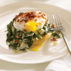Eggs don't have to be just a breakfast food! Try Giada De Laurentiis' amazing Eggs Florentine recipe!