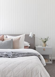 Interior Decor Direct 7 Gray Bedroom Ideas That Prove the Cool Neutral Can Feel Warm and Inviting Gray Bedroom, Bedroom Inspo, Home Bedroom, Master Bedroom, Bedroom Decor, Bedroom Ideas, Neutral Bedroom Furniture, Modern Bedroom, Wall Paper Bedroom