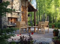 Love this outdoor look. Woodsy :)