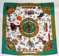 19 fantastiche immagini su HERMES CARRE   Hermes scarves, Silk ... 9cfb30e3c6a
