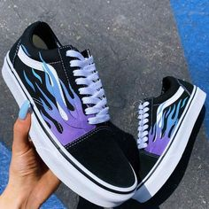 shoes sneakers vans old skool Blue Flame Black Canvas Old Skool - Vans Customisées, Sneakers Vans, Moda Sneakers, Tenis Vans, Adidas Shoes, Black Sneakers, Adidas Men, Shoes Skechers, Girls Sneakers