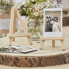 Mini wooden easel for place cards, 3 pieces- Mini-Staffelei aus Holz für Tischkarten, 3 St. These wooden easels are perfect as holders for table numbers at the wedding or simply for photos as an individual wedding decoration. Photo Centerpieces, Wooden Centerpieces, Wooden Wedding Decorations, Wedding Table Numbers, Table Centre Pieces Wedding, Decoration Party, Reception Table, Rustic Centre Pieces, Country Table Decorations