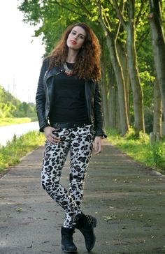 Outfit: Leopard pants | Curls and Bags