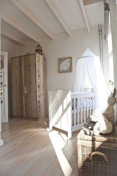 habitacion bebe dosel estilo rustico Decorar la habitación de bebé con un precioso dosel