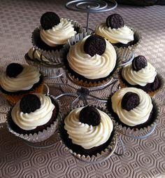 #hofathome Oreo Birthday Cupcakes