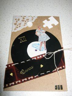 Nostalginen kortti kierrätysmateriaaleista. ( kortit, kortteja ).