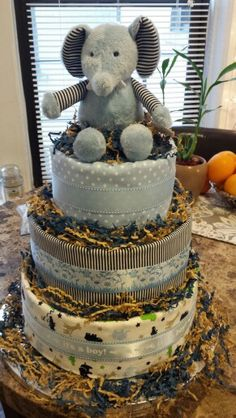 Elephant diaper cake made by Mari Veloz :)