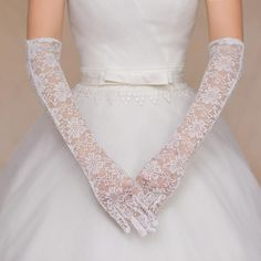 Lace gloves to elbow