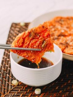 Kimchi pancake is made from a simple batter of kimchi, scallions, salt, and water fried to a crispy pancake in the skillet and served.with a dipping sauce Homemade Brioche, Brioche Recipe, Wok Of Life, Asian Recipes, Ethnic Recipes, Asian Foods, Chili, Curry, Menu