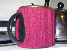 Mug Cozy, with tutorial! Explains really well how to get the correct measurements for your mug.