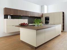 creme küche holz design arbeitsplatte oberschrank fronten