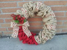Beautiful Burlap Christmas wreath!