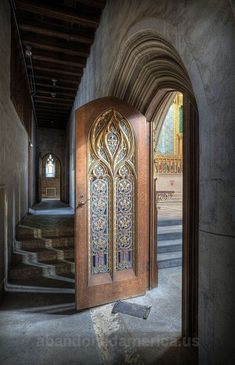 Such a beautiful entrance in an Abandoned building,,,This guy's website has some amazing places.the panoramic pictures are amazing Beautiful door. Abandoned Buildings, Abandoned Mansions, Abandoned Places, Beautiful Architecture, Beautiful Buildings, Architecture Details, Classical Architecture, Cool Doors, Unique Doors