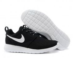 Nike Roshe Run Womens Black White Mesh shoes