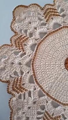 Crochet Table Runner Pattern, Crochet Doily Diagram, Crochet Rug Patterns, Granny Square Crochet Pattern, Crochet Tablecloth, Crochet Art, Doily Patterns, Crochet Squares, Crochet Motif