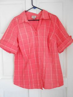 womans front button casual shirt,pink sz 18/22, Essentials by Maggie,short sleev