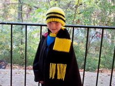 Your choice of house colors in this HP scarf and hat