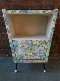 Vintage Retro Kitsch 1950s Bedside Cabinet |