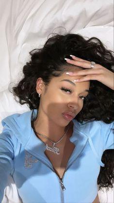 Pretty Black Girls, Black Girls Rock, Beautiful Black Women, Pretty Woman, Pretty People, Beautiful People, Curly Hair Styles, Natural Hair Styles, Pretty Females