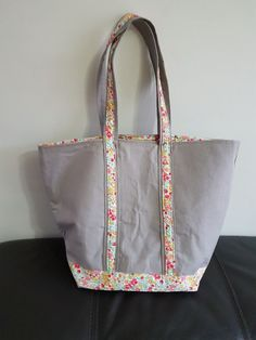 Diaper Bag, Diy And Crafts, Tote Bag, Sewing, Peignoir, Homemade, Decoration, Scrappy Quilts, Felted Bags