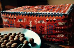 Upcycling - Mein altes Sofa wird ein Sitzkissen: AztecPouf