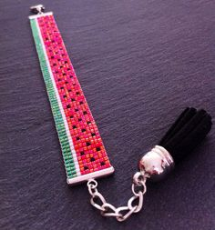 Watermelon Cuff Bracelet by TDFTheDreamFactory on Etsy Bead Loom Designs, Bead Loom Patterns, Beading Patterns, Bead Loom Bracelets, Beaded Bracelet Patterns, Seed Bead Jewelry, Beaded Jewelry, Jewellery, Beaded Lanyards