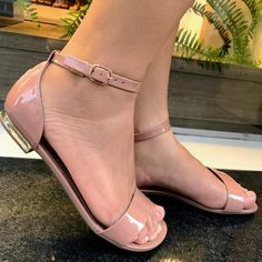 💗😍 Sandals Outfit, Shoes Sandals, Trendy Sandals, Low Heel Boots, Beautiful Shoes, Cute Shoes, Wedge Sandals, Designer Shoes, Character Shoes