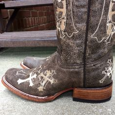Circle G by Corral Ladies Embroidered Cross Square Toe Cowgirl Boots L5042