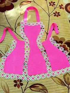 Crochet Skirts, Crochet Dolls, Crochet Clothes, Tunisian Crochet, Filet Crochet, Best African Dresses, Cute Aprons, Sewing Aprons, Kids Apron