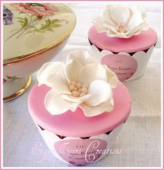 wedding Cup cakes by Sugar flowers Creations. I love how sophisticated the magnolia decorations look! Flowers Cupcakes, Pretty Cupcakes, Beautiful Cupcakes, Sweet Cupcakes, Yummy Cupcakes, Cupcake Cookies, Mocha Cupcakes, Gourmet Cupcakes, Strawberry Cupcakes