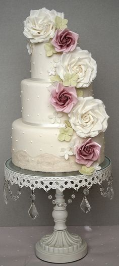☆ Wedding cake ☆ simple with a splash of color