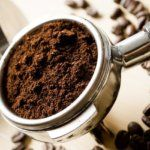 Here is How to Grind Your Coffee for Cup Perfection - Part Start with the best ingredients for an impeccable cup of coffee. Coffee Grounds For Plants, Coffee Recipes, Dog Food Recipes, Coffee Aroma, Natural Air Freshener, Popular Drinks, Coffee Uses, Oranges And Lemons, Coffee Benefits
