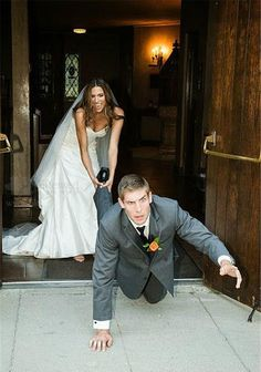 Funny Wedding Photos having fun with the pictures. Gotta have a few funny wedding pictures! Wedding Picture Poses, Funny Wedding Photos, Couple Picture Poses, Wedding Photography Poses, Wedding Pictures, Quinceanera Photography, Crazy Wedding Photos, Photography Tips, Party Pictures