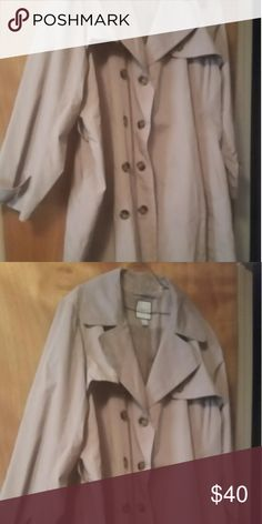 Croft & barrow trench coat Embellished with brown buttons. 100% polyester. Perfect for winter weather and a nice hot chocolate. croft & barrow Jackets & Coats Trench Coats
