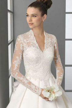 wedding dress. so elegant.