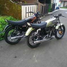 Yamaha Rx100, King Club, Motorcycle Garage, Cars And Motorcycles, Dan, Racing, Bike, Vehicles, Sports
