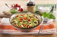 Recette Linguines au pesto avec de la ricotta et des tomates cerises Recette Fusillis au pesto rouge et à la ricotta Et encore plus de recettes sur http://www.ilgustoitaliano.fr/recettes/pates-1