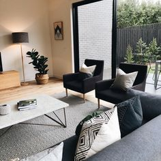 A lazy Sunday is the best kind of Sunday tuo lamppu ja nuo nojatuolit Home Living Room, Apartment Living, Interior Design Living Room, Living Room Designs, Living Room Decor, Interior Colors, Living Room Inspiration, Minimalist Home, Home Remodeling
