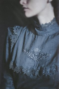 Discover recipes, home ideas, style inspiration and other ideas to try. Witch Aesthetic, Aesthetic Clothes, Aesthetic Outfit, Aesthetic Dark, Filles Alternatives, Half Elf, Yennefer Of Vengerberg, Witch Fashion, Vintage Mode