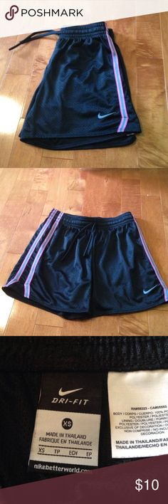 Nike shorts size XS Nike Dri-Fit shorts size XS worn once excellent condition Nike Shorts