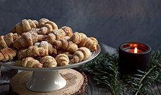Orechové rožteky Almond, Cupcake, Breakfast, Sweet, Food, Basket, Morning Coffee, Candy, Cupcakes