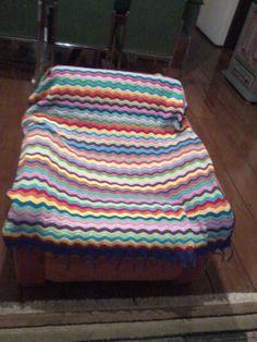 manta ripple para sofá Table, Furniture, Home Decor, Blanket, Decoration Home, Room Decor, Tables, Home Furnishings, Desks