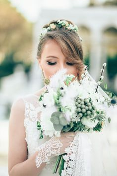 bride smelling the flowers Beautiful, free Wedding photos from the world for everyone - Infinity Collections Wedding Destination, Wedding Costs, Wedding Dj, Wedding Beauty, Budget Wedding, Wedding Tips, Perfect Wedding, Wedding Events, Wedding Planner