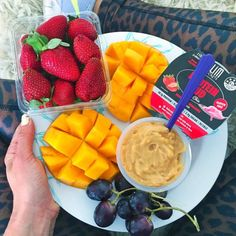 #running #tribesports #ownyourmarks #fitness #runners  Shoutout to nourish_naturally // Mango strawberries grapes & salted caramel protein puds from @slimsecrets  #slimsecrets #proteinpuds Wearing @saucha_ tights http://ift.tt/1LiI2Dj